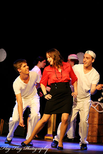 Erma and the sailors. The musical Anything Goes at Grand. Copyright: Henrik Eriksson. The photo may not be used elsewhere without my permission.