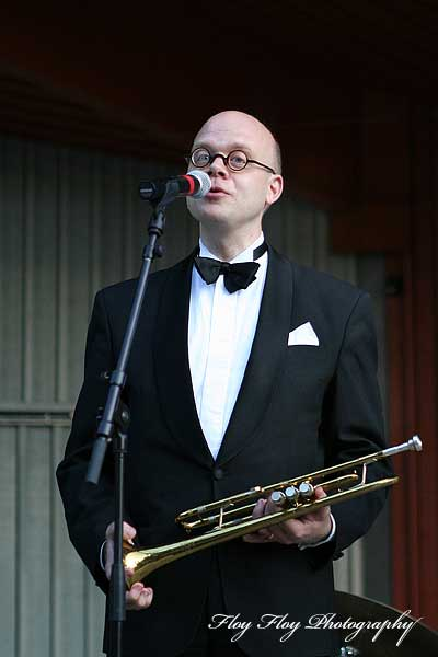 Peter Lind (trumpet). Peter Lind and the Cabaret Band. Good Evening Everybody at Parksnäckan. Copyright: Henrik Eriksson. The photo may not be published elsewhere without written permission.