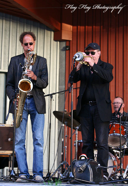 John Högman (saxophone), Bosse Broberg (trumpet), Björn Sjödin (drums). Good Morning Blues at Parksnäckan. Copyright: Henrik Eriksson. The photo may not be used elsewhere without my permission.