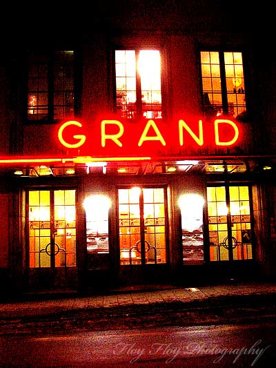 Grand entrance. Copyright: Henrik Eriksson.