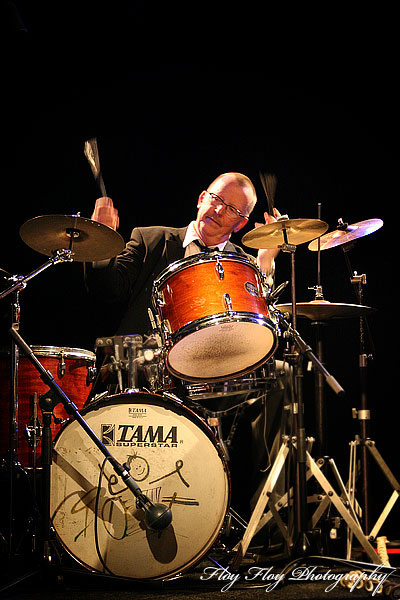 Björn Sjödin (drums) played at a concert at Katalin with the Swedish Swing Society. Copyright: Henrik Eriksson. The photo may not be used elsewhere without my permission.
