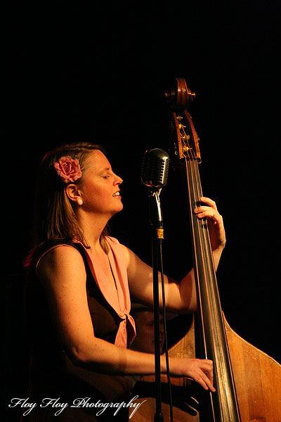 Emma Sannervik (bass). Sweet Emma &amp; The Mood Swingers. Copyright: Henrik Eriksson. The photo may not be used elsewhere without my permission.