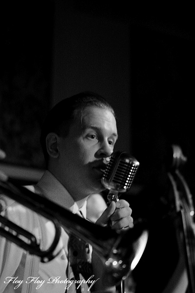 Anders Sderberg (vocals, harmonica). Sweet Emma &amp; The Mood Swingers. Copyright: Henrik Eriksson. The photo may not be used elsewhere without my permission.