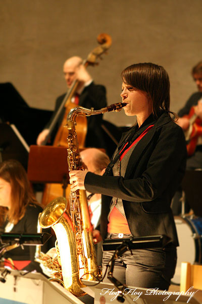 Katarina Kvist (saxophone). Uppsala University Jazz Orchestra. Copyright: Henrik Eriksson. The photo may not be used elsewhere without my permission.
