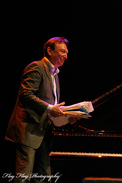 Claes Crona (piano) with his notes at Winter Jazz at Uppsala Konsert & Kongress. Copyright: Henrik Eriksson. The photo may not be published elsewhere without written permission.